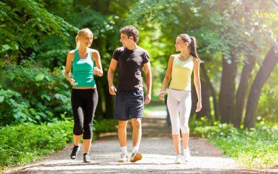 5 dicas para evitar o inchaço das mãos na caminhada