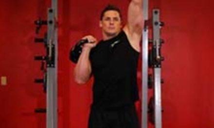 Exercícios para ombros com Kettlebell