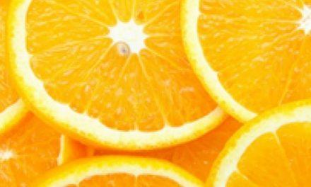Suco de laranja ajuda a emagrecer, diz estudo