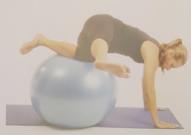 Exercícios desafiadores na bola 4