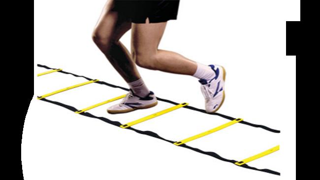 exercício funcional escada de agilidade