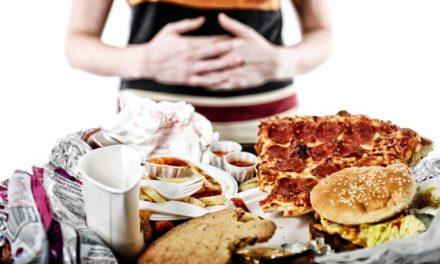 Compulsão alimentar. 10 dicas para ajudar você a se controlar.