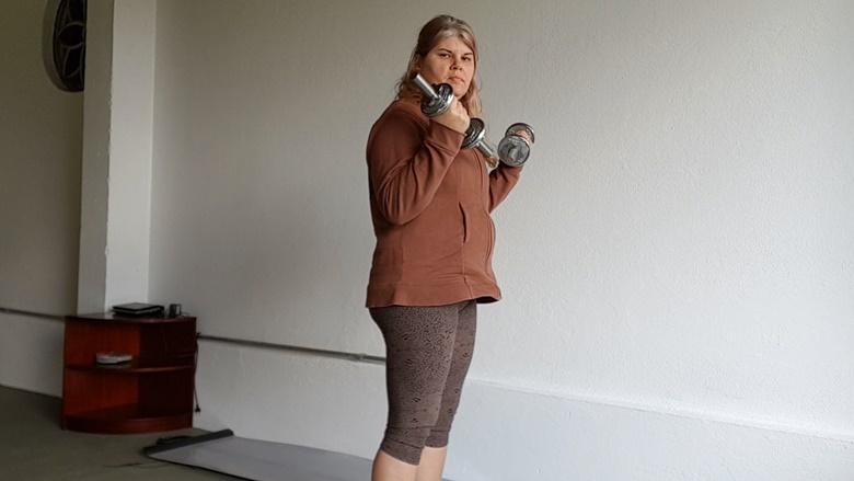 Braço Flácido exercício para tríceps
